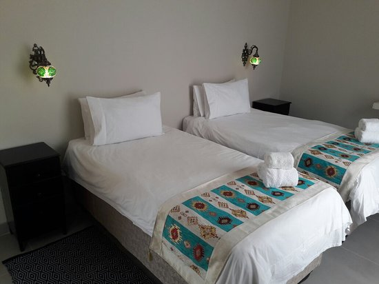 Newly Renovated Twin Rooms With Ensuite Bathrooms and Separate Entrances