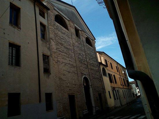 Chiesa e Pinacoteca di S. Tommaso Becket