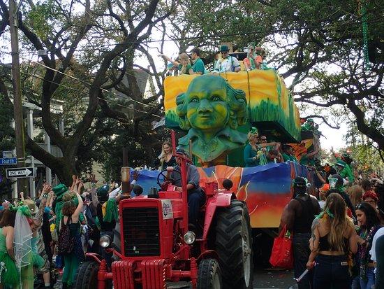 باريجيان كورتيارد إن: St Patrick's Day parade, just a few blocks away on magazine Street