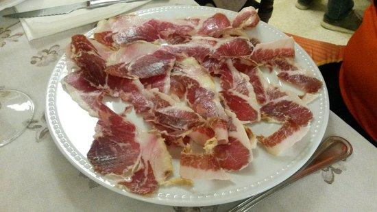 Monistrol de Calders, إسبانيا: jamon