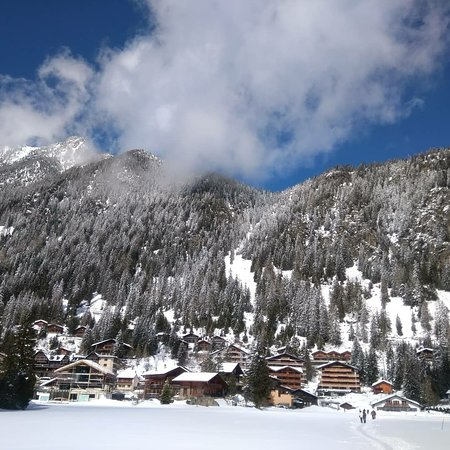 Champex, Switzerland: IMG_20180401_191931_233_large.jpg