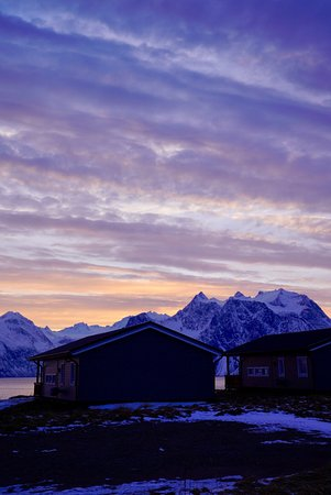 Olderdalen, Norwegia: Sunset @ Artic Lyngen Sea Camp