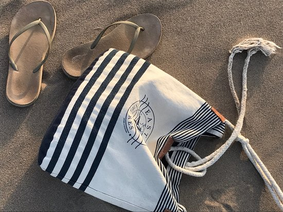 Eastern Shores Apparel & Accessories: Beautiful nautical purse to carry all your necessities!  Visit eaternshoresapparel.com