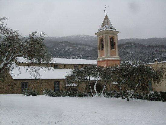 Borgomaro, Italy: Il Monastero dopo la nevicata del 1 marzo 2018 (foto gentilmente concessa dai Monaci)