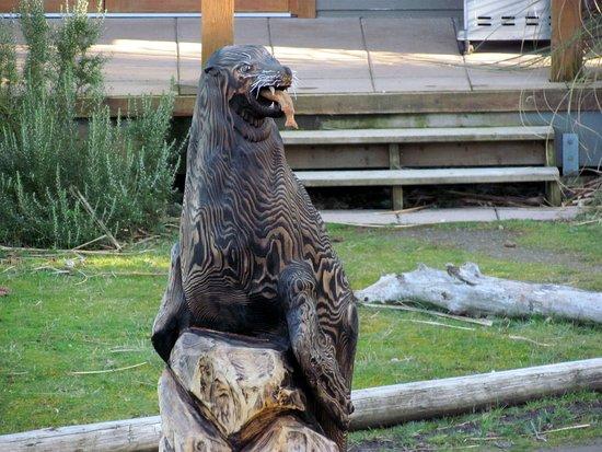 Мейн-Айленд, Канада: Wood Carvings