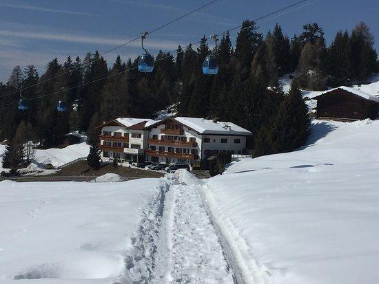 Hotel Schmung: stradina rientro all'hotel sci ai piedi