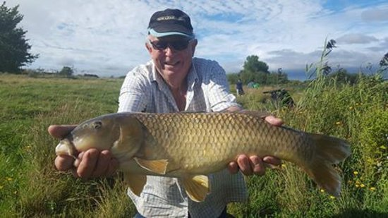 Coombes, UK: Fishing at Passies Pond