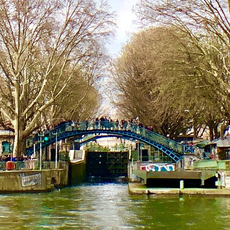 canal saint martin paris all you need to know before you go with photos tripadvisor. Black Bedroom Furniture Sets. Home Design Ideas