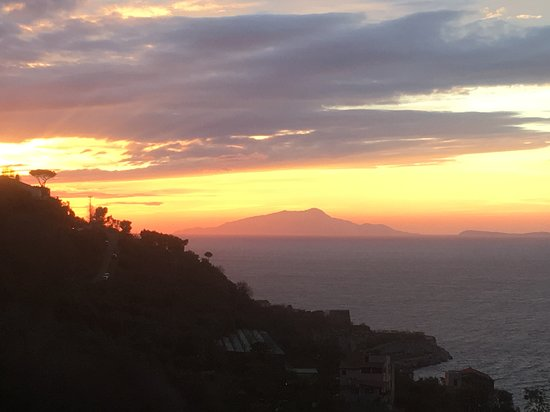 Best Western Hotel La Solara Sorrento: Our evening view from our room