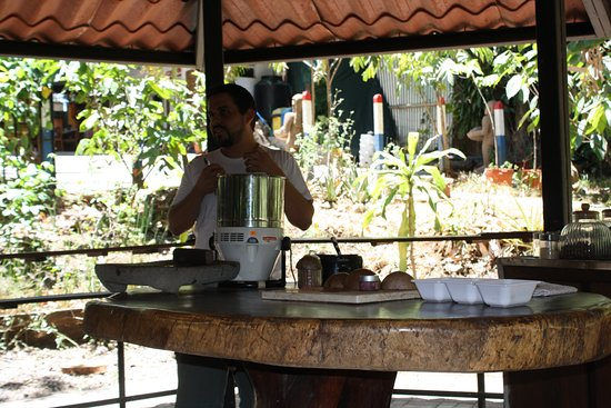 Go Tours Costa Rica - Day Tours: cacao grinder