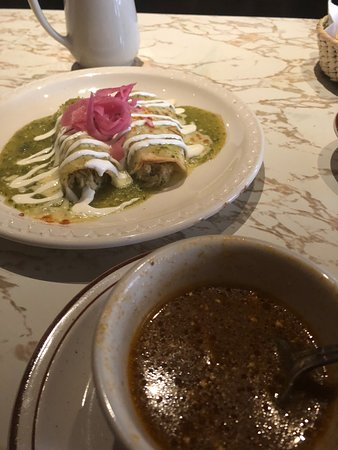 El Rey: Soup and enchiladas