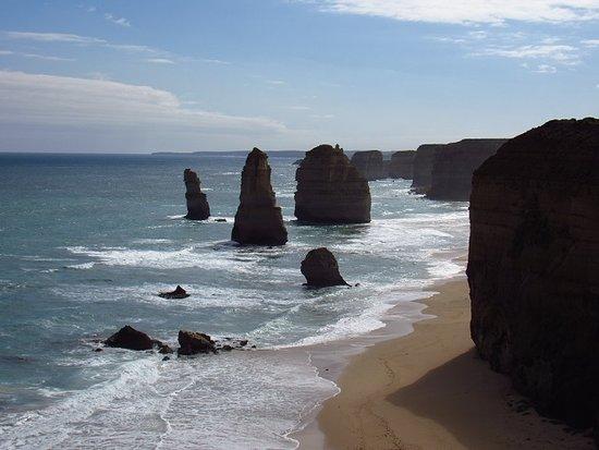 The Great Ocean Road: Apostles