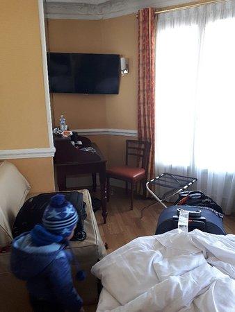 Hotel Claude Bernard Saint-Germain: 20180217_143922_large.jpg