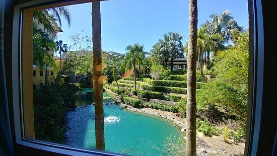 Loews Royal Pacific Resort Photo