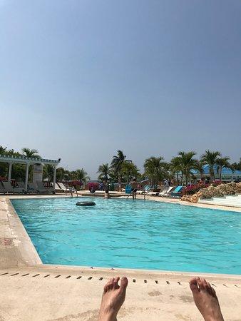 Wonderful pool and beach area