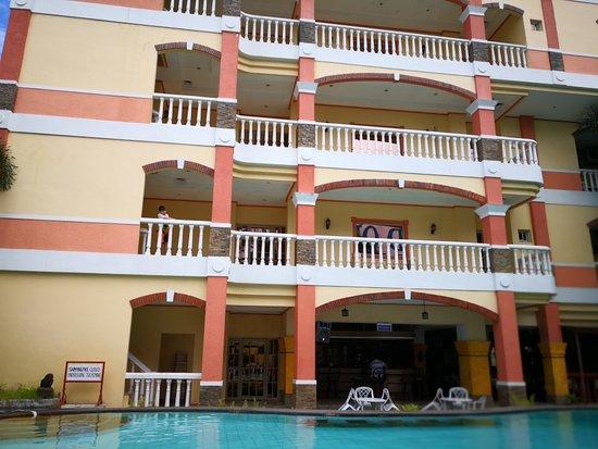 pacific breeze hotel resort angeles city hotel. Black Bedroom Furniture Sets. Home Design Ideas