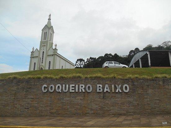Igreja Matriz de Coqueiro Baixo