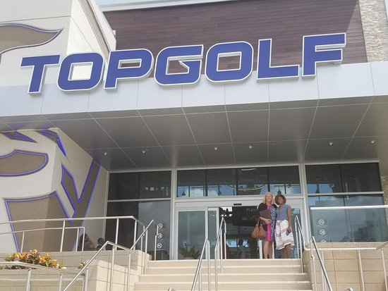 Miami Gardens, FL: Noelle and I visiting Topgolf!