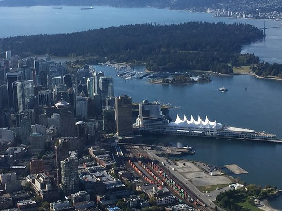 Pinnacle Hotel At The Pier: View from the seaplane - Canada Place