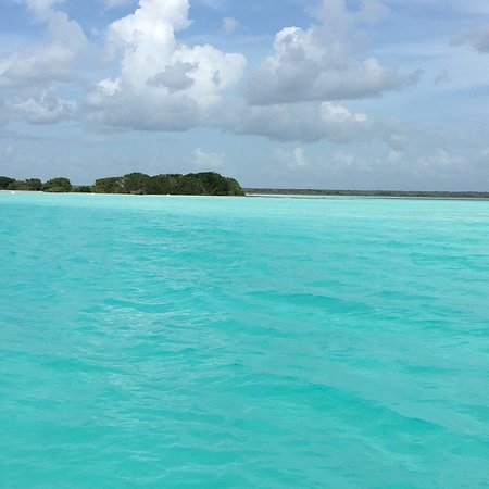 Things to Do in Bacalar Lagoon, the Maldives of Mexico ... |Lake Bacalar Mexico