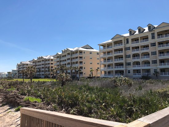 Cinnamon Beach at Ocean Hammock Beach Resort: Our condo on the far end unrestricted views