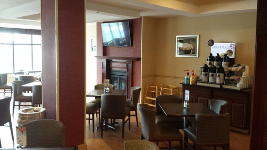 Holiday Inn Express Hotel & Suites North East : 20180401_115103_large.jpg