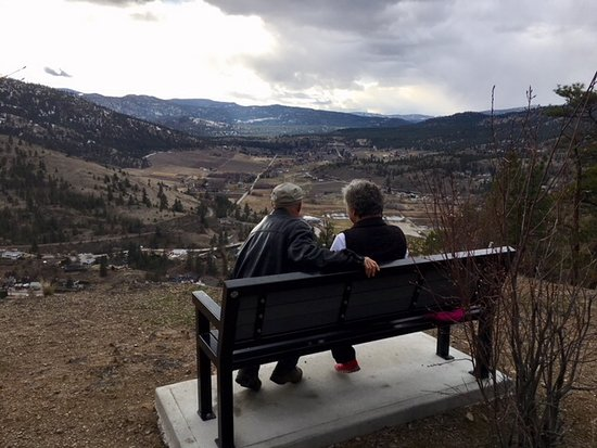 Summerland, Canada: Taken about half way up the trail
