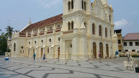 ‪St. Mary's Cathedral Basilica, Ernakulam‬