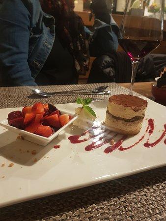 ristorante Osteria Chiara: tiramisù spettacolare
