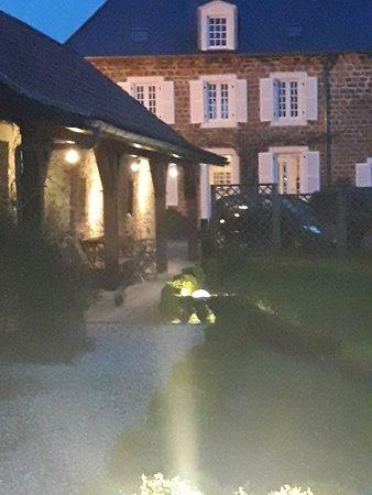 Appart 39 hotel le canville saint leonard frankrijk foto for Appart hotel 78