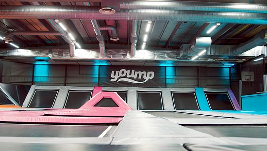 ‪Yoump trampolinpark‬