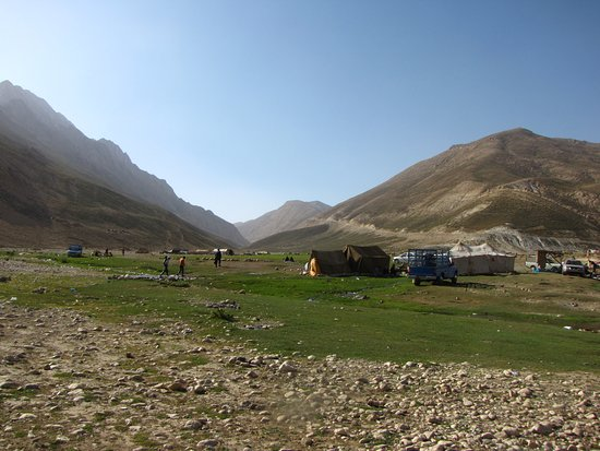 Chaharmahal and Bakhtiari Province, إيران: Tents of Nomads in the area