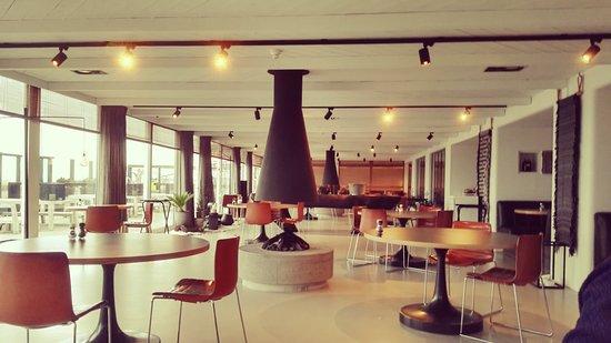 Strandhotel Cadzand : De ontbijtruimte is in het restaurant van Pure C.
