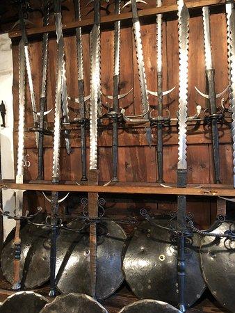 Landeszeughaus: 剣に盾にと、揃っています