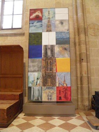 Ulm Munster: Piece of modern art inside the church.