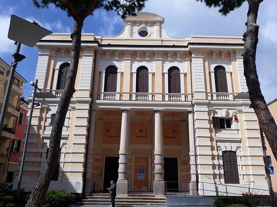 Biblioteca comunale di Imperia