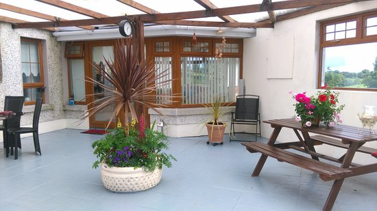 Bailieborough, İrlanda: Outdoor Courtyard