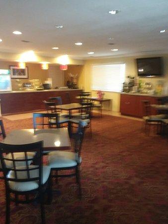 Quality Inn & Suites Garland - East Dallas: 20180331_132713_large.jpg