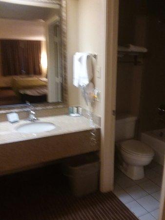Quality Inn & Suites Garland - East Dallas: 20180331_130935_large.jpg