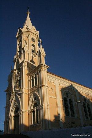 Lateral da Igreja fundada em 1832 em Entre Rios de Minas.