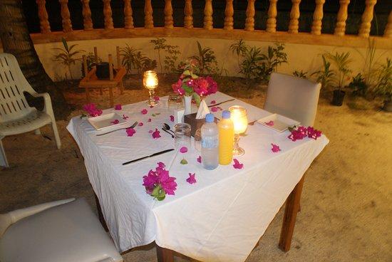 Veli Beach Inn: Romantic dinner