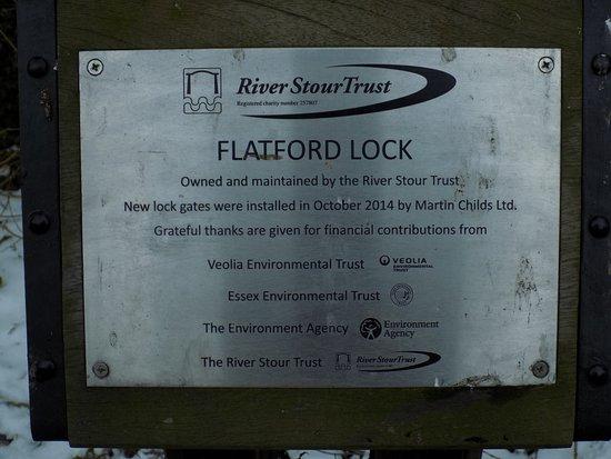 Flatford Mill: A beautiful restoration job at Flatford Lock!