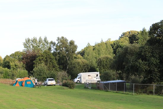 Starcross, UK: Rural location of the camping site.