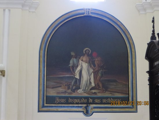 Julio Tours Nicaragua - Day Tours: In the Cathedral