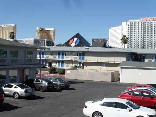 모텔 6 라스베이거스 - 트로피카나 사진