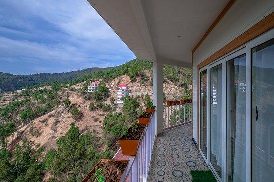 Balcony - Picture of Nandana Estate, Chail - Tripadvisor