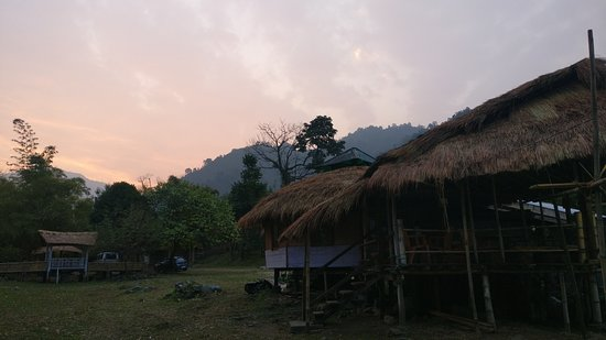 Roing, อินเดีย: Sunrise from the open area. Dinning area in the right.