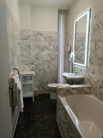 Hotel Bonaparte: IMG_20180331_113124_large.jpg