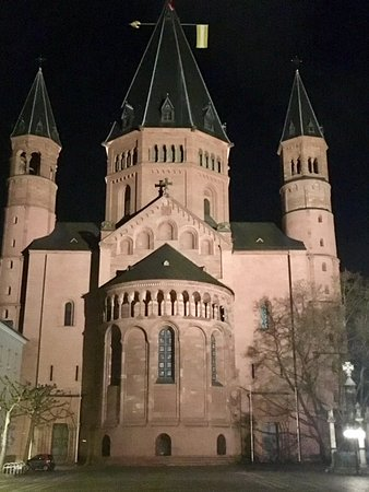 Mainzer Dom: Mainz Cathedral at night