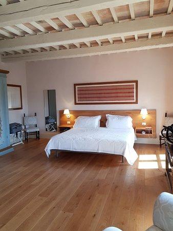 Monterado, Italie : IMG-20180402-WA0008_large.jpg
